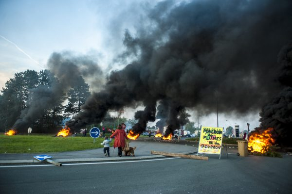DOUCHY-LES-MINES, FRANCE – 25 SEPTEMBRE: Blocage économique contre la loi travail du gouvernement Macron.