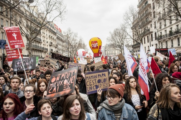 Les lycéens et étudiants rejoignent le cortège syndical – Paris