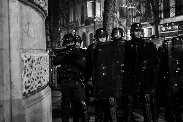 Manifestation en soutien à Théo et contre les violences policières – Lille – 9 février 2017   La police se déploie. Les LBD sont de sortie.