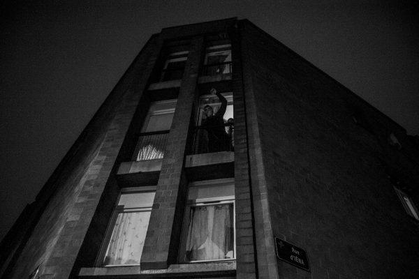 Manifestation en soutien à Théo et contre les violences policières – Lille – 9 février 2017   Les habitants soutiennent le mouvement depuis leurs fenêtres et d'autres rejoindront le cortège.